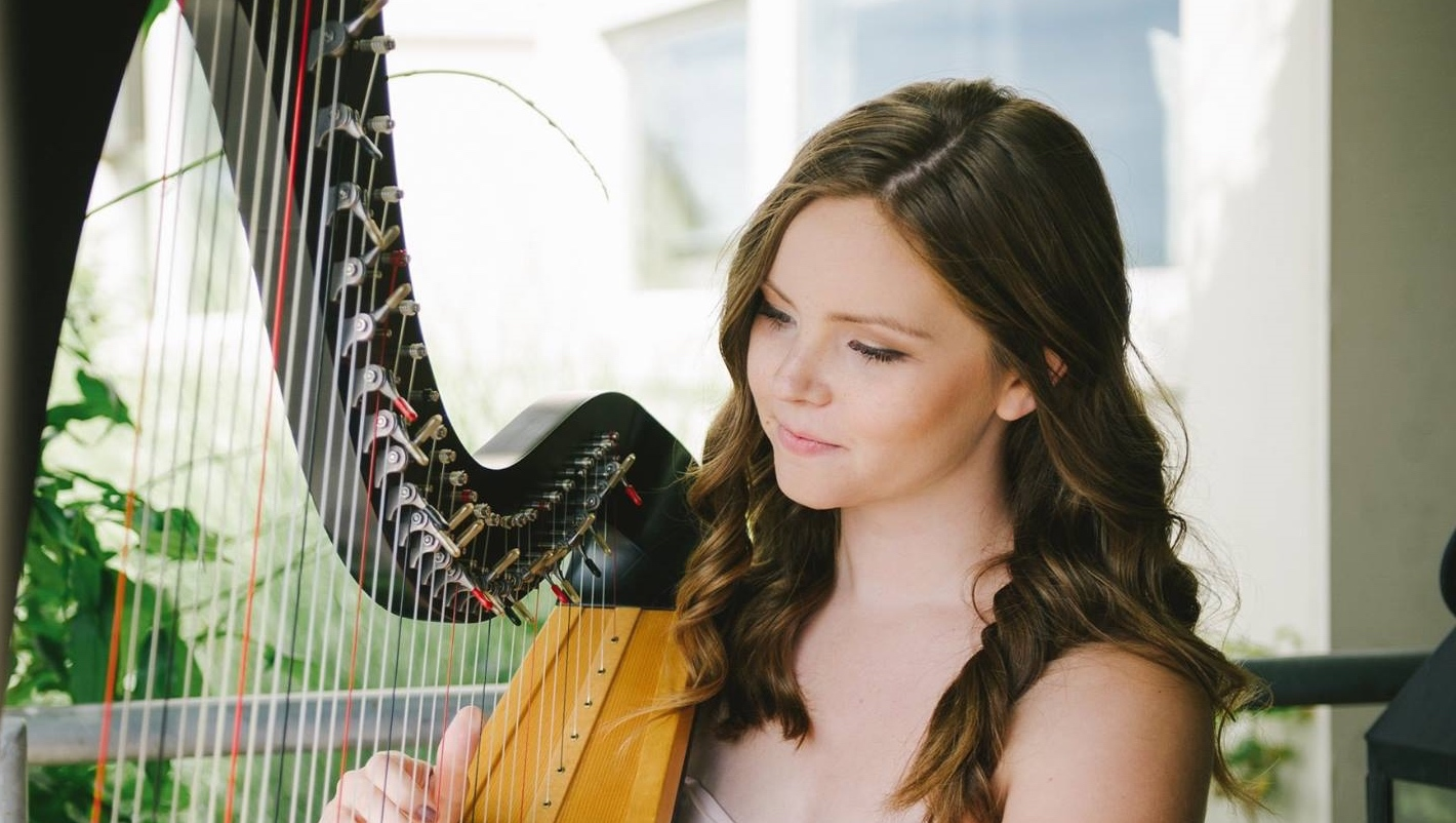 Elizabeth Joy Music Seattle Harpist Providing Music For Weddings